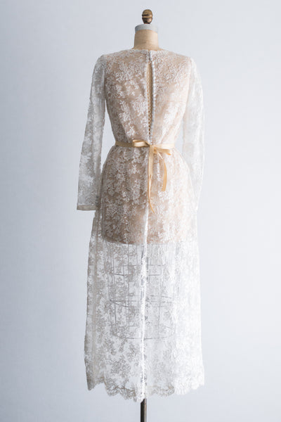 1980s Alencon Lace Shift Gown - M/L