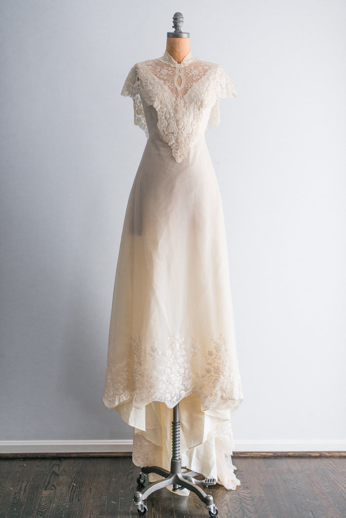 1980s Vintage Needle Lace Wedding Wedding Gown - S ...