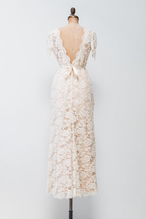 1980s Lace Gown with Nude Lining - S/M