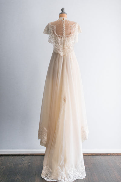 1980s Vintage Needle Lace Wedding Wedding Gown - S