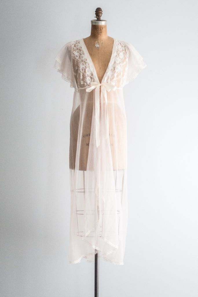 1960s Sheer Pink Flutter Sleeve Dressing Gown - M ...