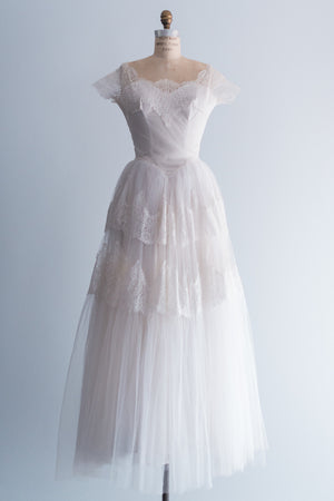 1950s Lace and Tulle Gown - S