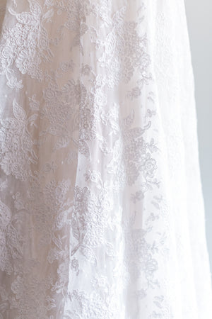 Alecon Lace Wedding Gown - S