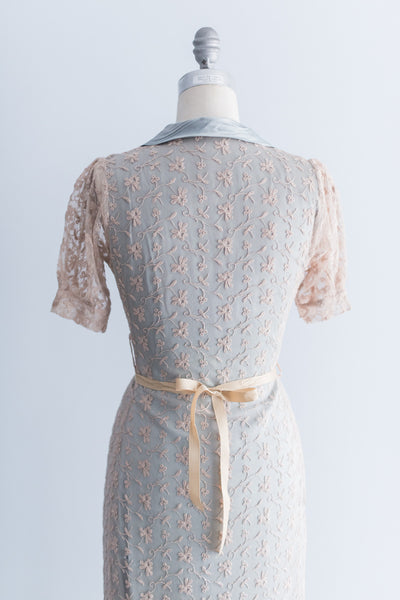 1940s Robin's Egg Blue Lace and Satin Dressing Gown - S/M
