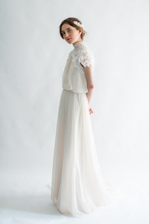 1950s Bloussant Ivory Corded Lace and Chiffon Gown - S