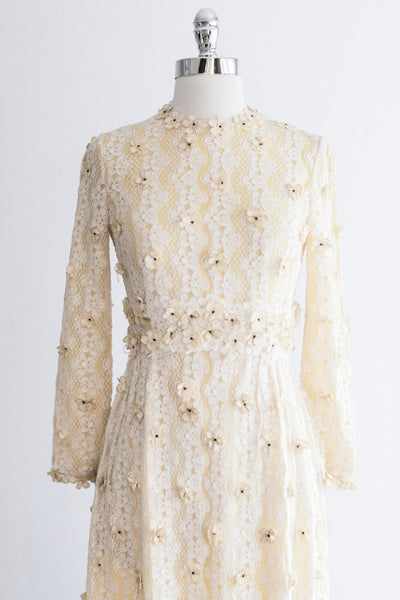 1960s Lace Gown with Embroidered Flower Applique - S