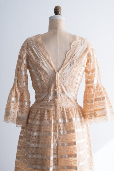 1970's Lace Bell Sleeves Embroidered Dress - S/M
