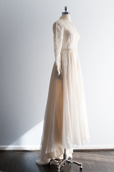 1950s Lace and Chiffon Wedding Gown - XS