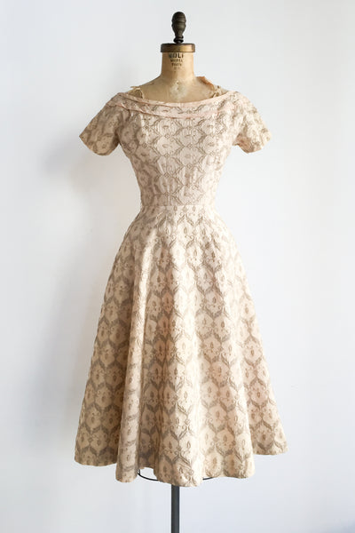 1950s Beige Pink Taffeta Embroidered Dress - XS