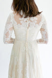 Vintage Long Sleeves Lace Wedding Gown - S