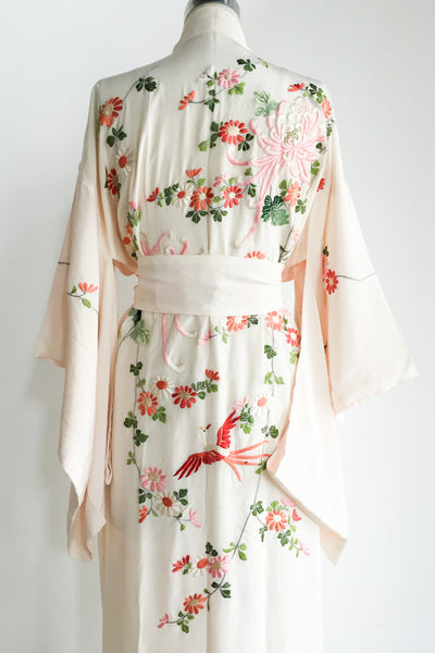 1950s Light Peach/Ivory Silk Embroidered Kimono