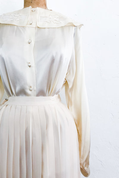Vintage Ivory Satin Buttoned Blouse - S/M