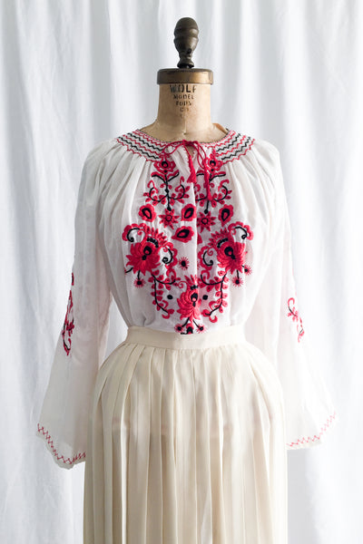 1970s Embroidered Cotton Top - M