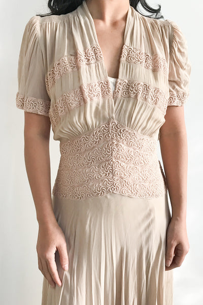 1940s Nude Chiffon and Embroidered Lace Dress - S/M