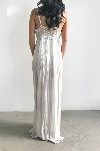 1980s Chiffon and Lace V-Neck Sheer Gown - S/M