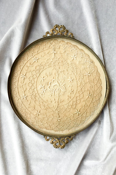 Round Antique Glass Tray with Lace