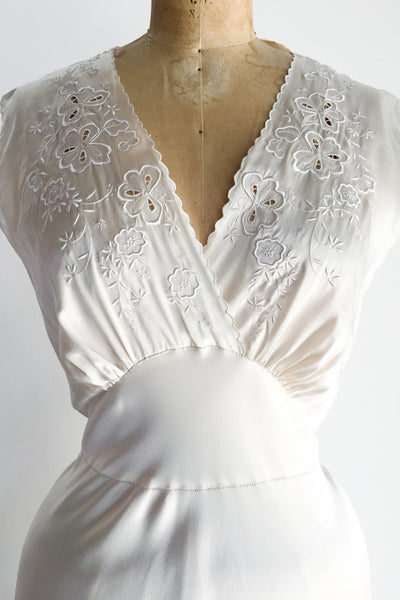 1930s Ivory Silk Embroidered Slip - S/M