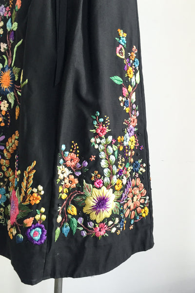 1970s Embroidered Cotton Skirt with Raffia Embroidery - One Size