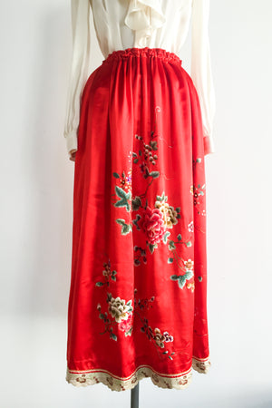 1950s Red Silk Embroidered Skirt - XS/S