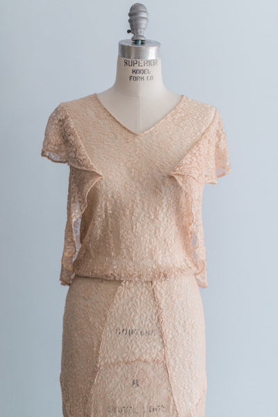 [SOLD] 1930s Peach Silk Lace Dress - S