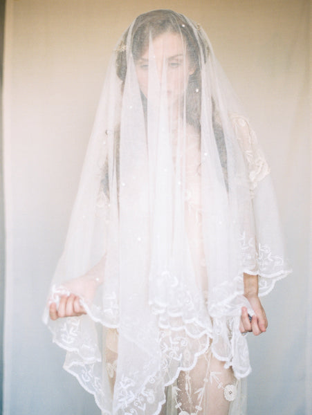 RENTAL Ducesse Princess Lace Veil