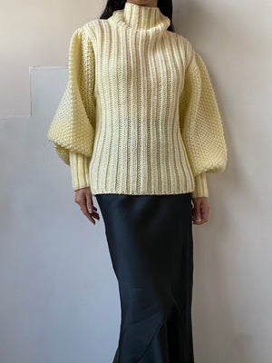 Vintage Puff Sleeve Sweater - M/L