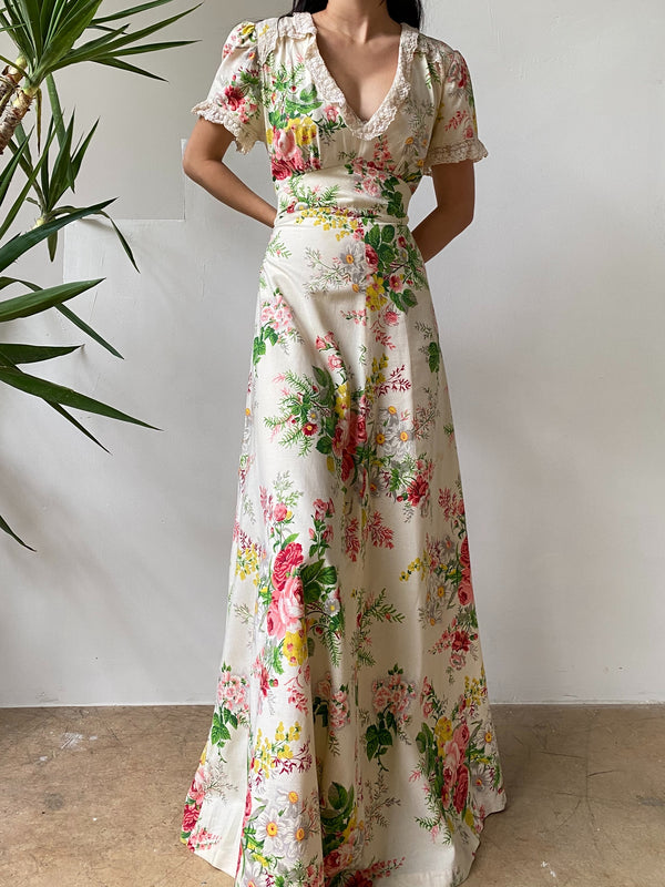 1940s Cotton Floral Gown with Lace Trim - S