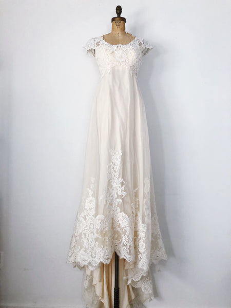 1960s Cream Lace and Chiffon Wedding Gown - XS