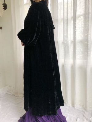 1920s Silk Velvet Coat with Puffed Sleeves - OSFM