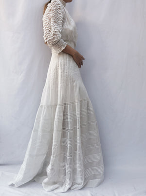 Antique Ruffled Puff Sleeves Gown -XS/S