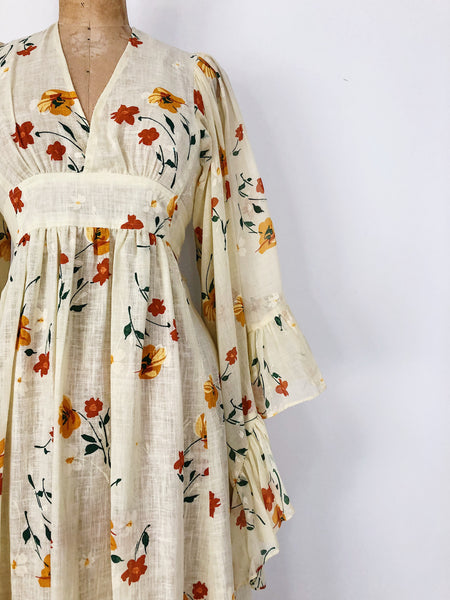 1970s Light Yellow Angel Sleeves Floral Maxi Gown - S/M