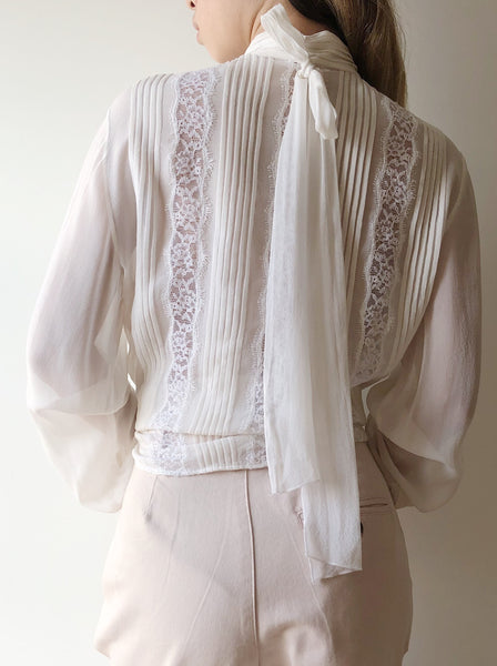 Vintage Ruffled Ivory Silk Blouse with Lace - S/M