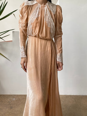 1930s Peach Silk Velvet Dressing Gown - XS