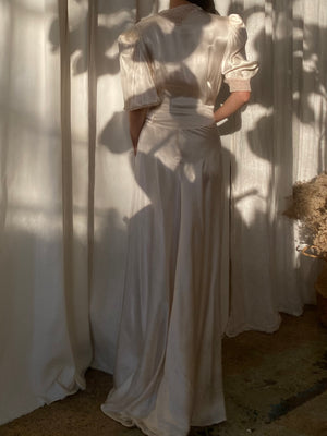 1930s Ivory Satin and Lace Dressing Gown - S/M