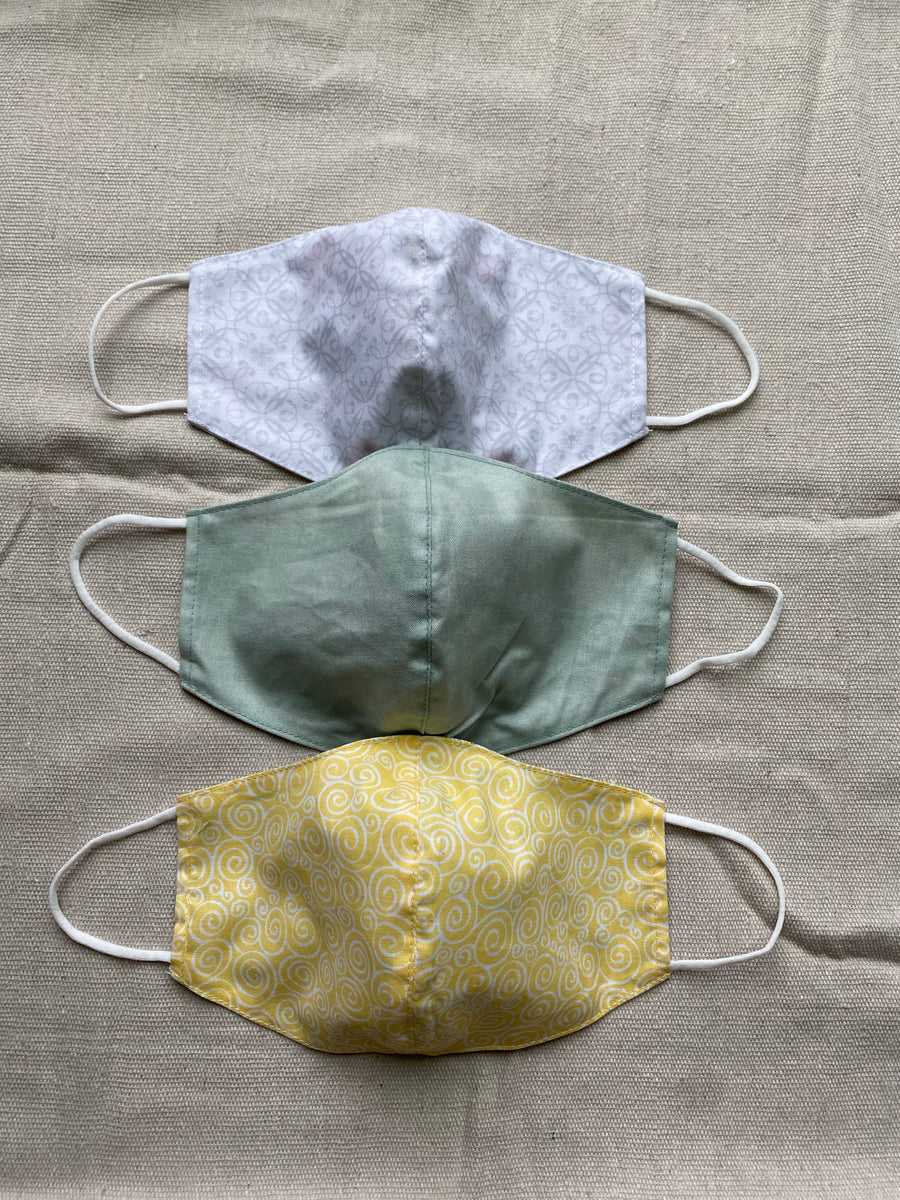 2-in-1 Reversible Tiny Print Cotton Face Mask with Filter Slot