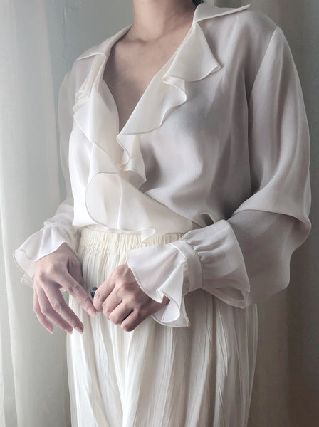 Vintage Silk Ruffled Collar Ivory Blouse - S/M