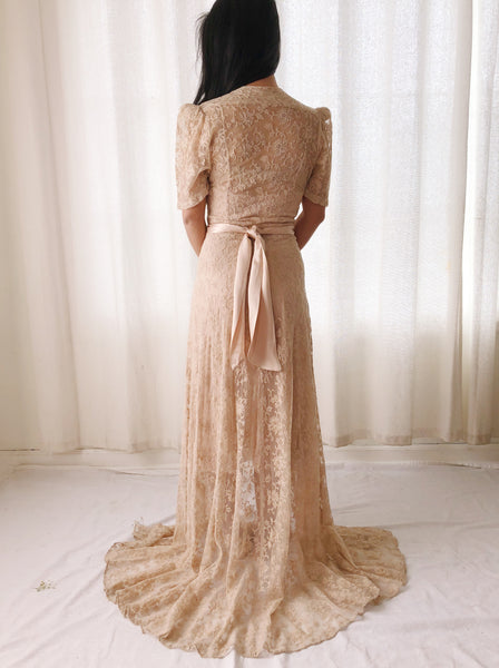 1930s Dusty Pink Lace Dressing Gown with Silk Ribbon Ties - S