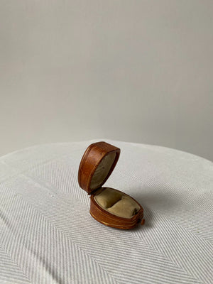 Rare Antique Oval Leather Ringbox