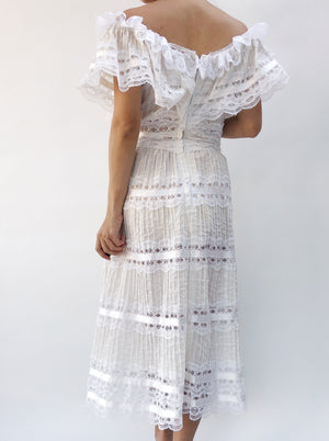 1970s Ivory/White Off-The-Shoulder Dress - S/M