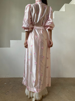 1960s Pink Floral Puff Sleeves Satin Dressing Gown - S-M