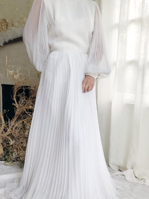 Vintage Pleated White Dress - S/M