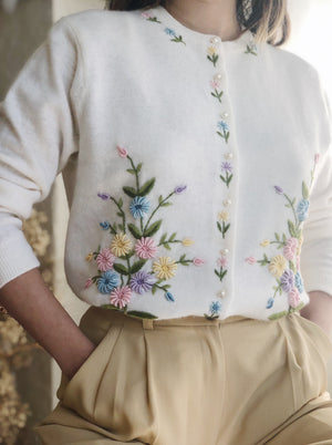 1950s Floral Embroidered Cashmere Cardigan - S/M