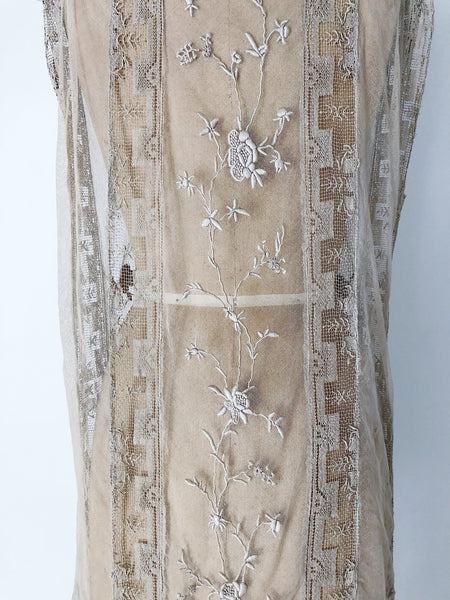 1920s Ecru French Knot Embroidered Fillet Lace Flapper Dress - S