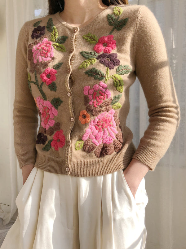 Vintage Floral Embroidered Sweater - XS/S