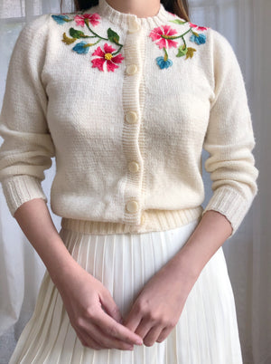 Vintage Ivory Embroidered Cardigan - XS