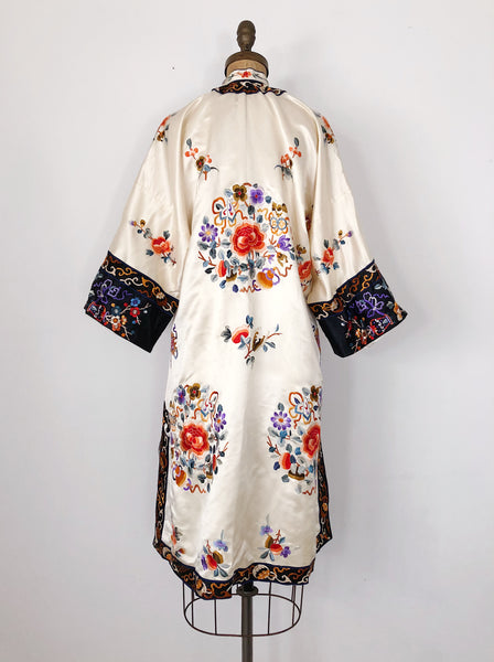 Vintage Ivory Embroidered Silk Robe - M