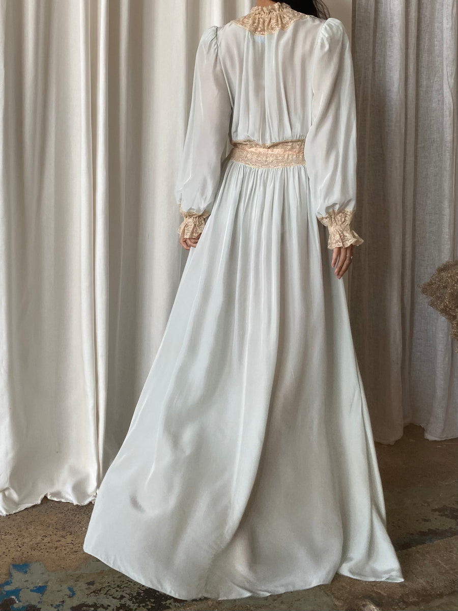 1930s Light Blue Rayon Poet Sleeve Dressing Gown - S/M