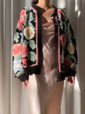 Vintage Floral Embroidered Cardigan - M