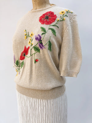 VTG Embroidered Pullover Top - M