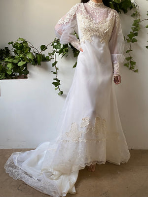 Vintage High Neck Wedding Gown - L